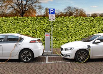 Mestský elektromobil na dlhšie cesty