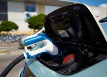 Batérie – technológia, materiály a recyklácia
