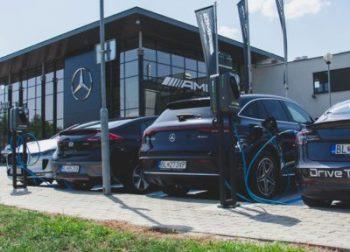Elektromobilita na plné otáčky už aj u renomovaných značiek